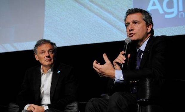 Luis Etchevehere y Francisco Cabrera en La Rural. Foto DyN