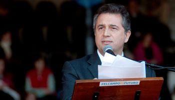 El presidente de la SRA, Etchevehere, irritó con críticas al Gobierno