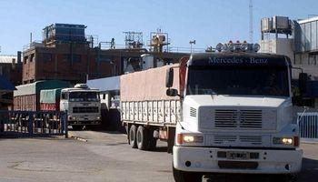 Por la pandemia aumentan una tasa vial y el transporte deja de operar en el puerto de ADM