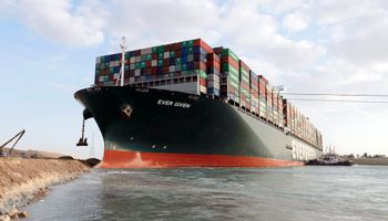 Canal de Suez liberado: comienza a moverse el buque que paralizó parte del comercio global