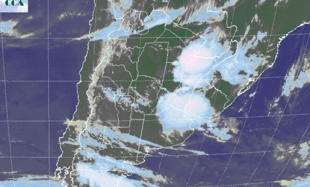 La foto satelital muestra con claridad tres zonas con alto nivel de actividad.