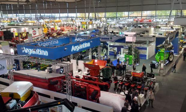 En el stand argentino se mostró toda la oferta de maquinaria agrícola de producción nacional.
