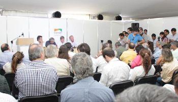Completo ciclo de conferencias en Expoagro 2014