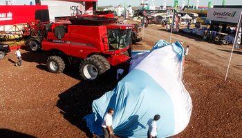 Case IH presentó la cosechadora más grande en Expoagro 2014