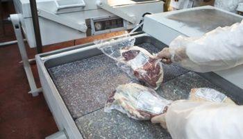 Chau cepo: Aduana identificó a cuatro frigoríficos que intentaron vender carne a China