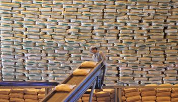 Azúcar: bajan cupo de exportaciones