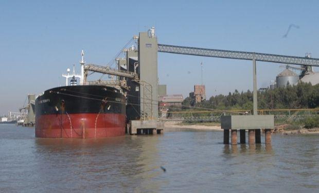 Conciliación obligatoria por el conflicto en los puertos.