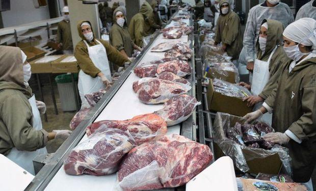 Tercer mes consecutivo que las exportaciones de carne bovina caen, pero el precio tuvo una leve suba