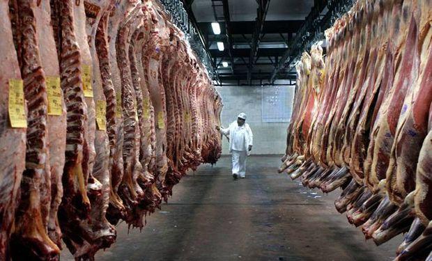 Salió el primer embarque de carne natural certificada.