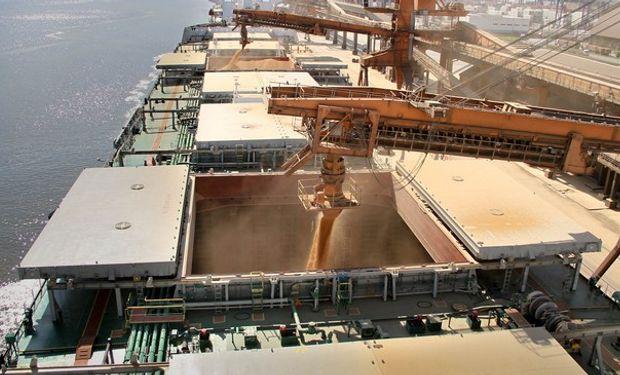En los últimos días 80 buques llegaron para cargar 4,78 millones de toneladas de soja en puertos brasileños.