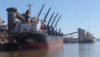 Capitanich vuelve a mediar para destrabar la exportación de granos