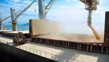 Prevén exportaciones récord de soja en Brasil para 2015
