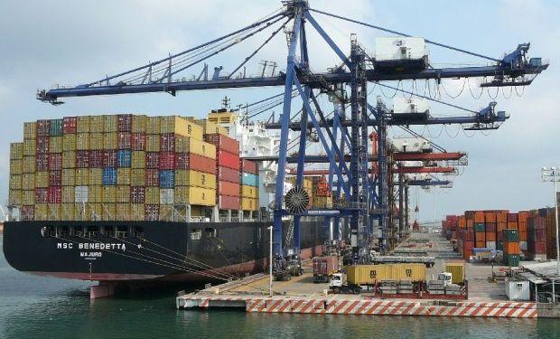 EEUU registra en noviembre el menor déficit comercial en 4 años