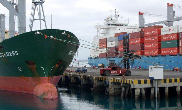 La caída de las exportaciones en enero se explica por un descenso del 10% en los precios y del 9% en las cantidades.