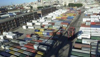 Exportadores uruguayos dicen que la Argentina bloqueó el ingreso de sus productos