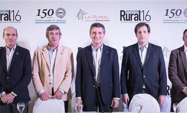Martín Goldstein, Nicolás Pino, Luis Miguel Etchevere (SRA), Claudio Dowdall y Carlos Solanet (La Rural SA). Foto: La Rural