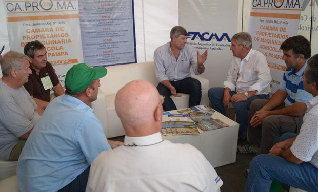 Buryaile se reunió con representantes de FACMA.