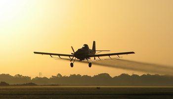 Aeroaplicadores rechazan el aumento de las retenciones y piden una reducción