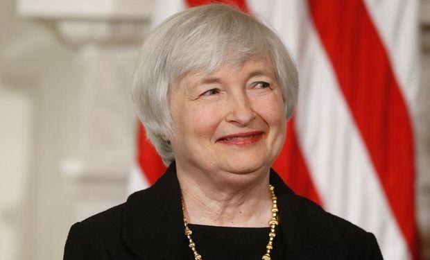 La presidenta de la Fed insistió sin embargo en los riesgos ligados al incremento de tasas, que quiere condicionar a la continuación del crecimiento económico en Estados Unidos.