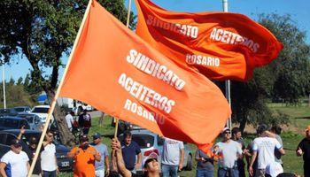 """Aceiteros van al paro y el sector exportador responde que son """"pretensiones ajenas a la realidad argentina"""""""
