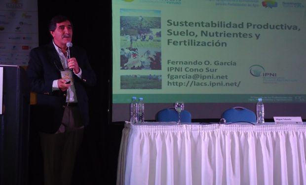 Fernando García del IPNI en el Congreso MAIZAR 2015.