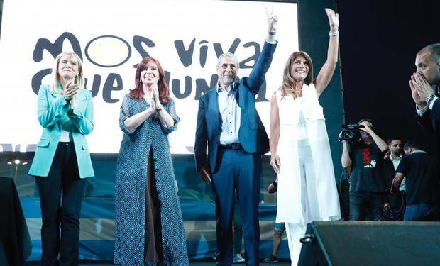 Ferraresi junto a Cristina Kirchner al asumir como ministro de Desarrollo Territorial y Hábitat de la Nación.