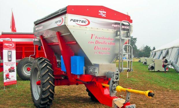 Fertil 6000: la primera fertilizadora con dosificador eléctrico en Argentina.