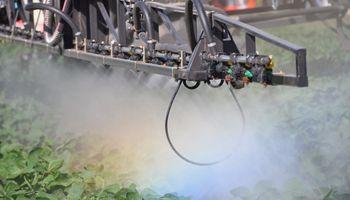 Podrían prohibir la venta de fitosanitarios en La Pampa