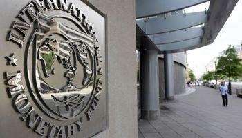 Recomienda el FMI ajuste y devaluación para Argentina