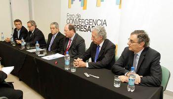 El foro de convergencia empresarial recibió al senador Ernesto Sanz