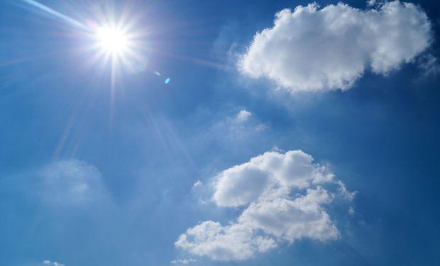 Con el correr del día, se espera el afianzamiento de una masa de aire más fresco y seco.
