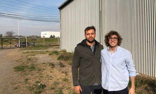 """Negocio millonario: los rosarinos que demuestran que """"se puede salvar el mundo"""" con moscas soldado"""