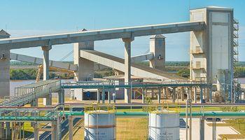 Vicentin suspendió la actividad de sus plantas en medio de la cesación de pagos