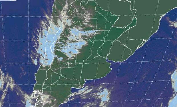 Como se aprecia en la imagen satelital, gran parte del sudeste de Sudamérica se mantiene con cielos despejados.