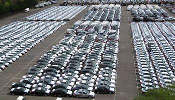Piden a automotrices equilibrar balanzas comerciales