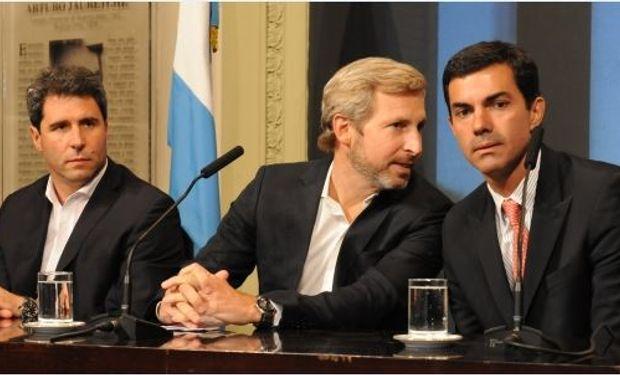 Rogelio Frigerio en conferencia de prensa con los gobernadores de Salta, Juan Manuel Urtubey y de San Juan, Sergio Uñac.