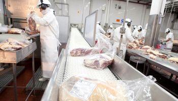 Quedan siete frigoríficos con la exportación de carne a China suspendida