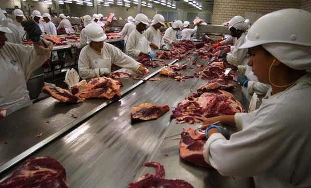 """""""El ganado ya tuvo una baja en el Mercado de Liniers"""", señalaron."""