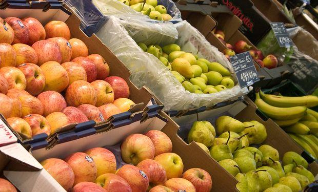 La pera sigue siendo el producto de mayor disparidad de valor, ya que el consumidor pagó en góndola 14,1 veces más de lo que recibió el productor en el campo.