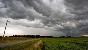 Alerta por tormentas fuertes y lluvias intensas para el centro del país
