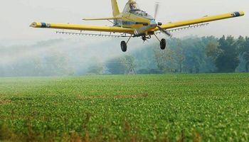 Suspenden por un año la resolución que regulaba la aplicación de fitosanitarios