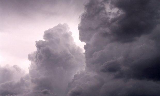 Se perfilan condiciones para que la nubosidad se vea favorecida, pero en principio solo se observarían sistemas precipitantes modestos.