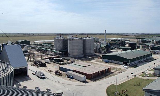 Con bioetanol a partir de almidón de maíz, la Argentina reduce hasta un 65 % la emisión de GEI.
