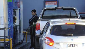 El Estado se queda con 41% de lo que se paga por cada litro de nafta y 37% del gasoil