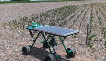 Un robot desarrollado por técnicos rosarinos controla malezas con energía solar