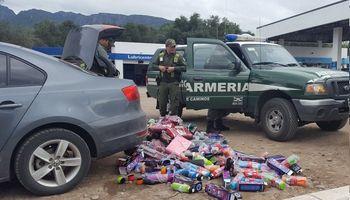 Capacitan a personal de Gendarmería para el control del transporte de alimentos