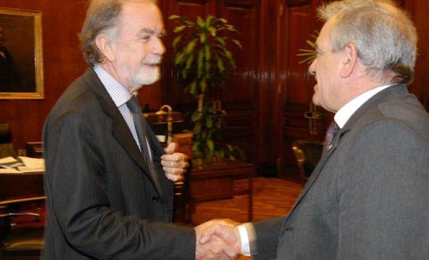 Presidente del Banco Nación, Javier Gonzales Fraga y Carlos Ianizzotto, presidente de CONINAGRO.
