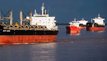 Ya hay casi un centenar de barcos demorados por el paro de transportistas
