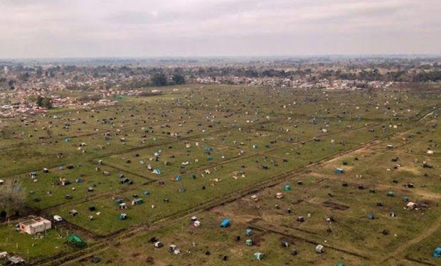 Kicillof dará un subsidio mensual de hasta $ 50.000 para evitar la toma de tierras