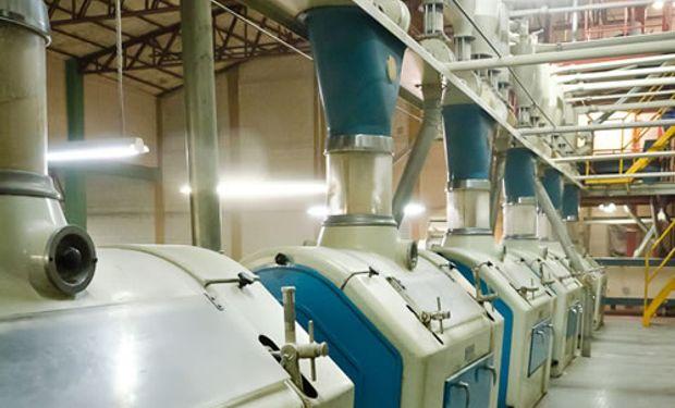 Agroindustria realizó decomisos y clausuras en el sector harinero.